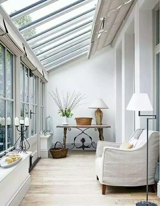 在庭院或屋顶建一间阳光房,     闲暇之余和亲人朋友在里面喝茶